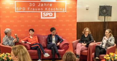 die Diskussionsrunde auf der Roten Couch