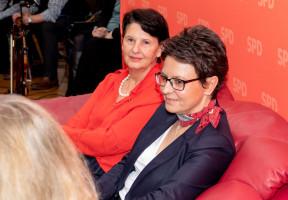 Unternehmerin Doris Pogoretschnik und Bürgermeisterin Andrea Ernhofer