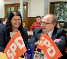 Bürgermeisterin und Bezirksrätin Andrea Mickel und Dieter Betz