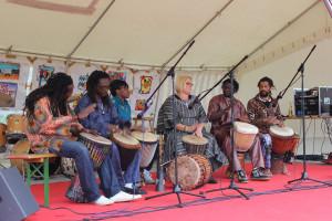 AGS FestMiteinander 2012 Musikgruppe mit afrikanischen Klängen