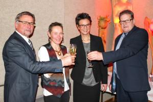 drei Bürgermeister und Künstlerin