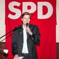 Sven John, Unterbezirksvorsitzender Landkreis Eichstätt, begrüßt die sehr zahlreichen Gäste 2016